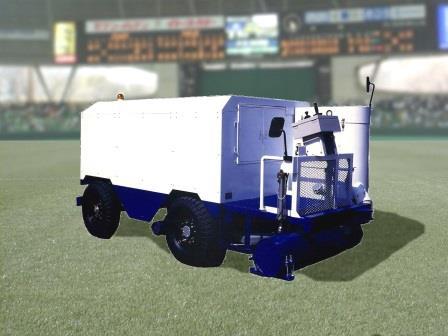 自社開発の特殊ノズルを搭載した自走式大型人工芝クリーナー